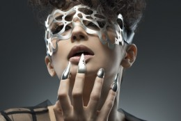 Clipul Extreme Love (Moogu Contemporary Jewellery) inscris in competitia MOOZA Pop Up Store