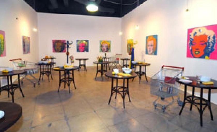 Expozitie Andy Warhol la Sala Dalles