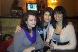 Trei prietene dragi