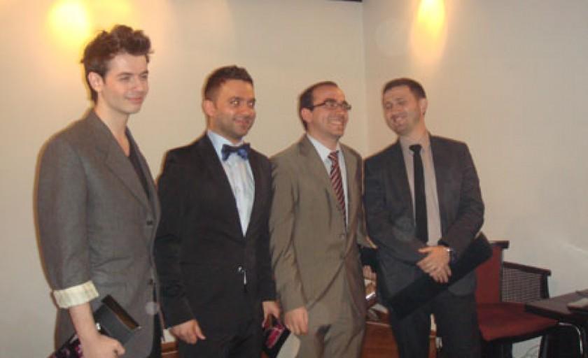 Gala barbati eleganti pe twitter