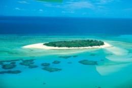 Lacuri de unghii in tendinte vara 2012: incursiune la tropice