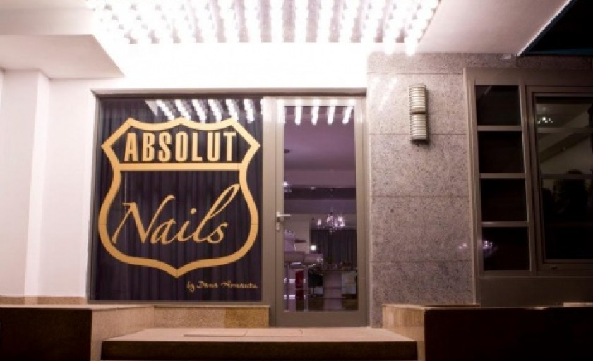 Absolut Nails: secretele unei manichiuri perfecte