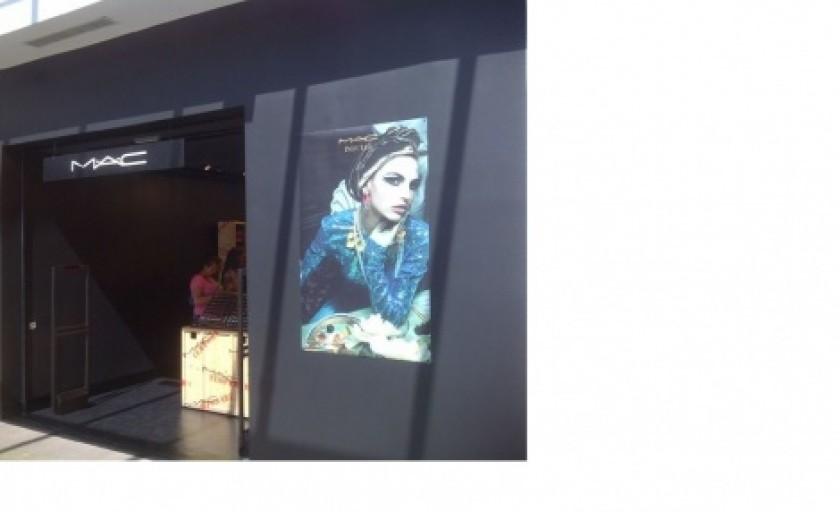Evening beauty news: un nou boutique M·A·C COSMETICS in Timisoara