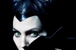 Coordonatele machiajului dramatic: colectia speciala Maleficent by MAC