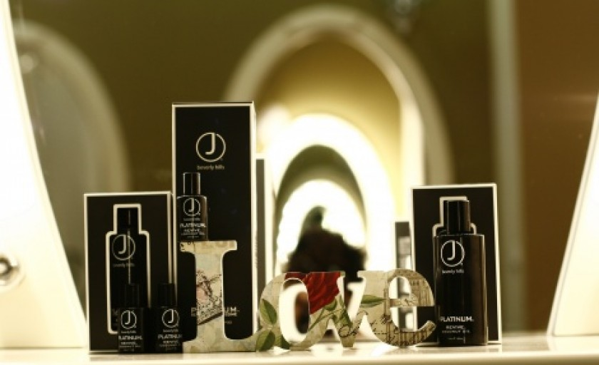 Platinum Revive Oil (J Beverly Hills): elixirul magic pentru un par pe care vei reincepe sa il iubesti