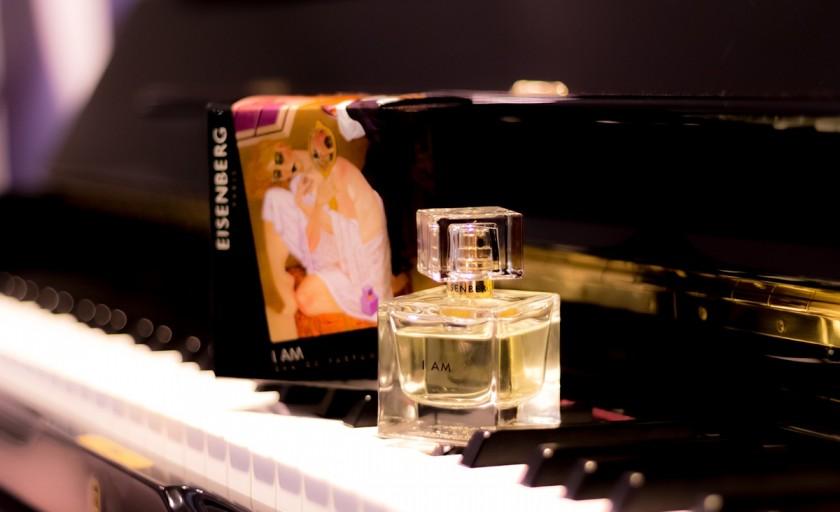 Parfumul timpului: I AM by Eisenberg