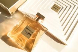 Gabrielle Chanel: parfumul eternei independente si pecetea unei prezente de neuitat