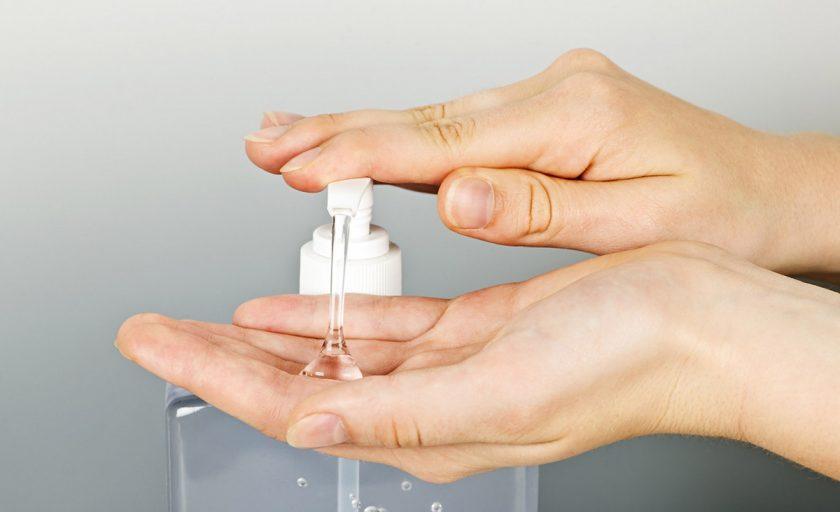 Geluri de maini antibacteriene produse de marci cosmetice romanesti si o reteta de dezinfectant homemade